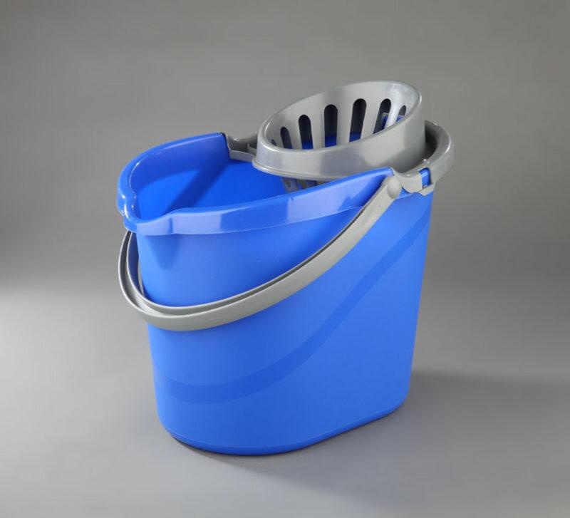 Cubos, Recogedores y Escobas para la higiene industrial